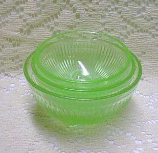 Childs DEPRESSION GREEN Glass MIXING BOWL SET NR