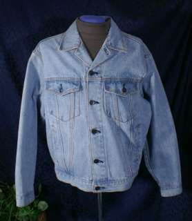 HARD ROCK CAFE WASHINGTON, D.C. Light Blue Denim Jacket Size M