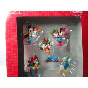 Disney Holiday Ornaments   Mickey, Minnie, Goofy, Pluto