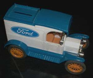 VINTAGE ERTL FORD MODEL T VAN/CAR BANK METAL DIE CAST